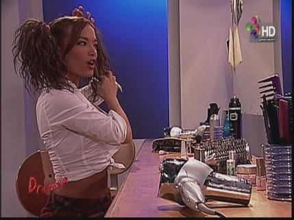 Claudia.Albertario.Table.Dance.Uniforme.HD