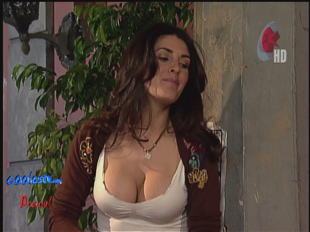 Mayrin Villanueva Descuidos