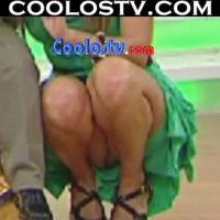 Ingrid Coronado Upskirt en Minifalda Verde Agachada Enseñando Culo y Calzones en Venga la Alegria Bailando Reggaeton HD