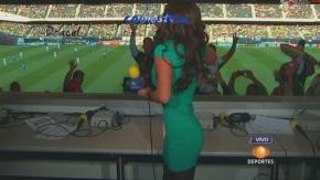 Marisol.Gonzalez.Nalgona.Minifalda.Verde.Entallada.HD1080