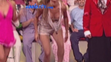 Cecilia Galliano Descuido Ensenando Tetas Y Pezones En Sabadazo Hd