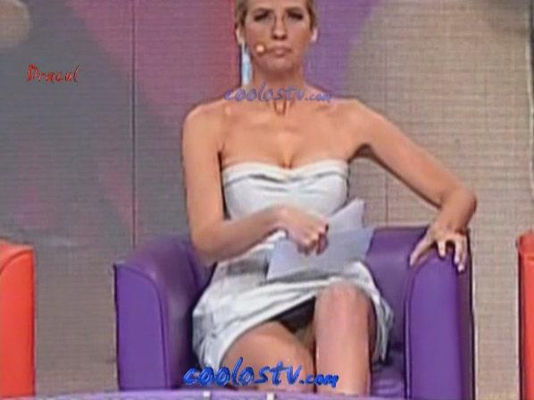Tema Raquel Bigorra Descuido Ense Ando Calzones En Minivestido