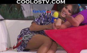 Marisol.Gonzalez.Minifalda.Upskirt.Calzoncito.Negro.HD