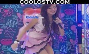 Danna.Paola.Upskirt.Minifalda.Rosa.HD