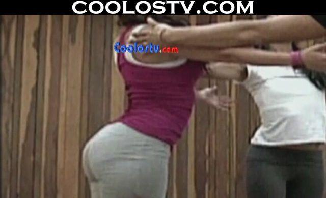 Lizette Lombo Mega Nalgona en Pants Apretados Acroyoga HD