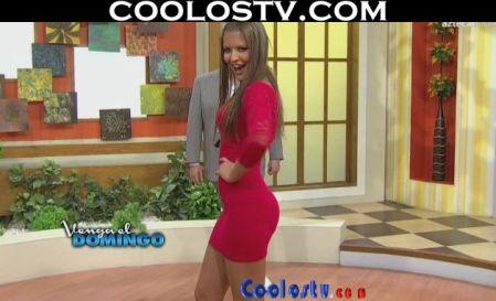 Vanessa.Claudio.Modelando.Culo.Microvestido.Rojo.Spandex.HD2[(005693)