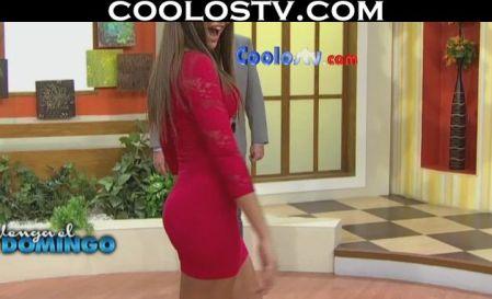 Vanessa.Claudio.Modelando.Culo.Microvestido.Rojo.Spandex.HD2[(005776)