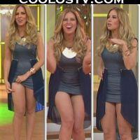 Raquel Bigorra Upskirt en Microvestidito Azul HD