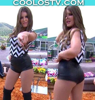 Vanessa Claudio Moviendo Culote en minishorts de Cuero