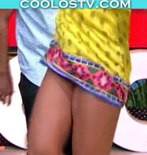 Alex-Garza-Upskirt-Mini-AmarillaCoolosVIP