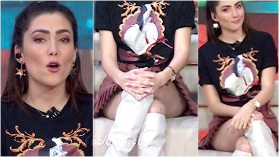 Daniela Alvarez Enseña Nalga en Microfalda Tableada Rosa